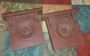 Charming Vintage Antique Pair Of Barn Red Wooden Wall Corbels Brackets