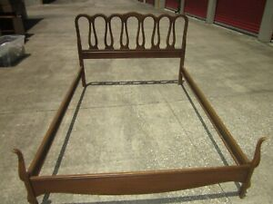 Vintage French Provincial Country Style Full Size Wood Bed