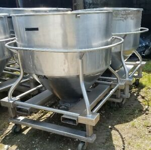 30 Cu ft Stainless Steel Tote Tank 225 Gallon Tank On Wheels