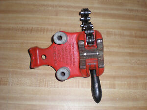The Ridgid Tool Co 1 8 To 2 Pipe Bc 2a Chain Pipe Clamp Bender Bench Vise