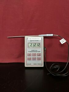 Fisher Scientific Data log 50 Memory Digital Thermometer 50 To 150 C W Probe