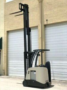 2010 Crown Electric Forklift Narrow Aisle 3 000 Lb Capacity With 84 190 H