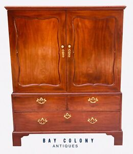 18th C George Iii Period Chippendale Style Antique Mahogany Linen Press