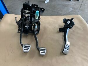 2016 2018 Ford Mustang Gt350 Pedal Assembly Gas Brake Clutch Pedals Manual Oem