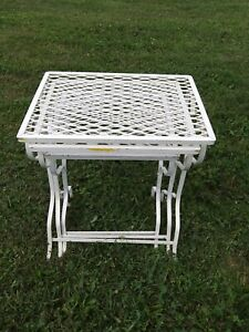 Vintage 1960s Metal Nesting Three Tables White Outdoor Tables Set Of 3