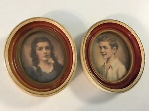 Vtg Pair Of Portrait Prints With Painted Wood Oval Frames 6 X5 25 Ann Allaban