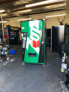 7 Up Vendo 407 8 Soda Vending Machine W coin Bill Acceptor Made In Usa