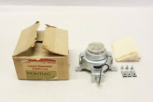 Nos 1960 S Pontiac Gm Accessory Luggage Compartment And Utility Lamp 984449