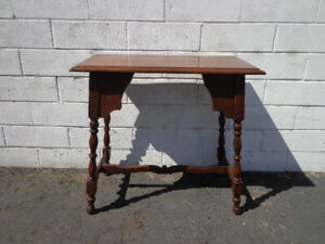 Wood Table Accent Side End Victorian Traditional Carved Nightstand Bedside Entry