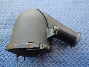 2001 2004 Ford Mustang Air Cleaner Intake Filter Housing 2r3z9600aa