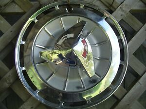 One 1962 62 Chevrolet Chevy Impala Ss Hubcap Wheel Cover Antique Vintage