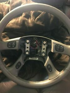 03 06 Chevy Gmc Leather Steering Wheel Silverado Tahoe Yukon Suburban Sierra