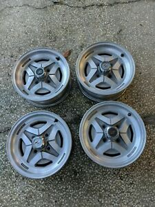 Datsun 280z Set Of Rare Alloy Wheels With Center Caps 40300 N3200 Oem Nissan