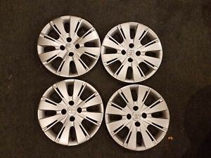 1 Brand New Set 2012 12 2013 13 2014 14 Yaris 15 Hubcaps Wheel Covers 61164