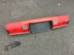 1997 2004 Buick Regal Center Tallight Tail Light Finish Panel License Plate