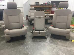 2015 2018 Chevy Tahoe Tan Cloth Front Row Seats 40 20 40 W Jump Seat Driver