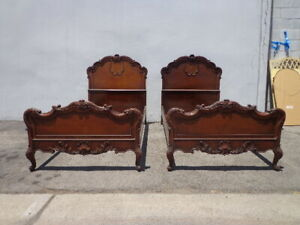 2 Twin Beds Antique Traditional Single Walnut Spindle Bedroom Kids Headboard