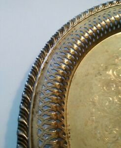 Vintage Wm A Rogers Silverplate Tray 10 Diameter Mid 1900 S Beautiful Detail