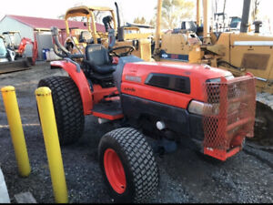 2004 Kubota L5030 4x4 Diesel Hydro Compact Tractor Only 700 Hours