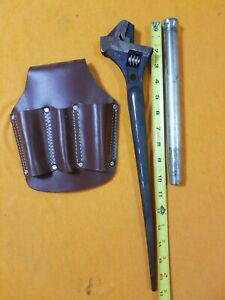 1 Adjustable Spud Wrench 1 Bull Pin 3 Pocket Leather Pouch Preowned Fs H