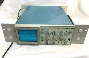 Tektronix 2205 20mhz Dual channel Analog Frequency Portable Oscilloscope 2 ch