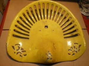 Plain Walter Wood Vintage Cast Iron Tractor Farm Implement Seat Collectable