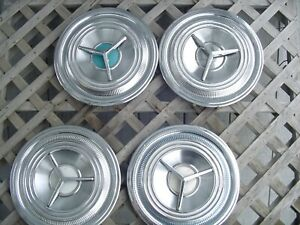Vintage Antique 1959 Oldsmobile Dynamic Ninty Eight Rocket Holiday Fiesta Hubcap