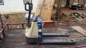 Crown Wp2000 Electric Pallet Jack works Local Pickup Only