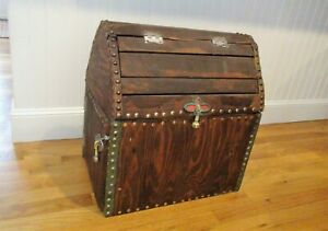 Vintage Wood Trunk Chest Gothic Shabby Chic Metal Fluer De Lis Clasps W Draw