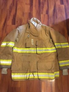 Firefighter Globe Turnout Bunker Coat 46x32 G xtreme 2008 No Cut Out