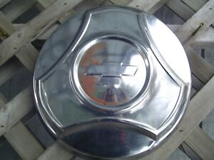 One Vintage Gmc Jimmy Chevrolet Pickup Truck Blazer Hubcap Wheel Cover 1 2 Ton