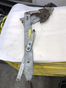 1966 Cadillac Coupe Deville 2 Door Rh Door Glass Window Regulator