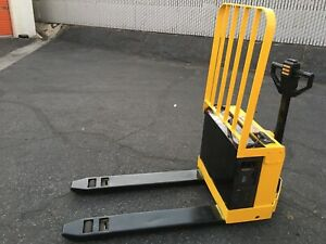 Yale 4000 Lbs Capacity Electric Pallet Jack Lift Fork Truck 24v Charger Offer