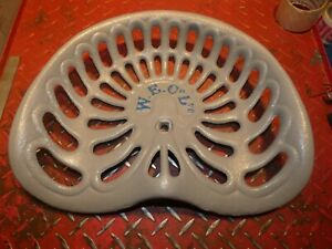 Farm Implement Seat W e Co Ltd Vintage Cast Iron Tractor