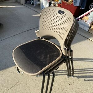 3 Herman Miller Caper Stacking Chairs With Flexnet Glide