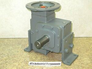 Winsmith 100 1 Ratio Speed Reducer 56c Mount 576 Inch Pounds 924