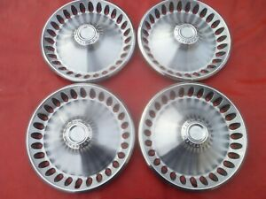 Vintage 1970 Plymouth Gtx Satellite Duster Barracuda 14 Hubcaps Wheel Covers