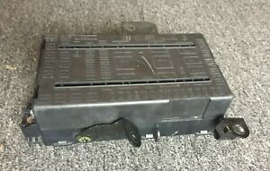 05 07 Ford F250 F350 6 0l Superduty Fuse Junction Box Relay Block 6c3t 14a067 Ab