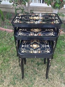 Vintage Set Of 3 Italian Balck Lacquer Inlaid Nesting Table With Musical Box