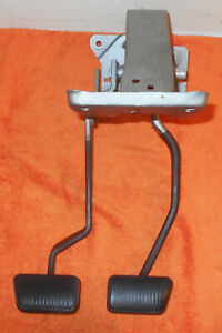 1968 Mustang Fastback Coupe Convertible Cougar 4 Speed Clutch Brake Swing Pedals