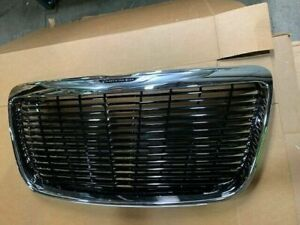 Nos 2011 2014 Chrysler 300 Grille Gloss Black With Chrome Surround 82213169ab