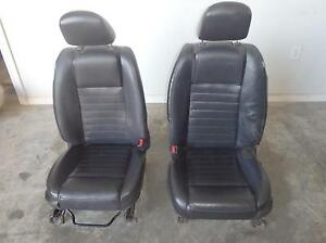 Ford Mustang Front Seat Set Driver Passenger Black Leather Power 05 06 07 08 09