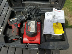 Snap On Ct4410a 14 4v 3 8 Drive Cordless Impact Wrench 1 Battery With Charger