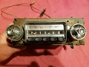 1950 S 1960 S Buick Radio With Push Buttons Model 980316