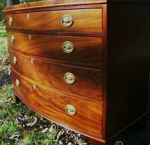 Baker Chippendale Hepplewhite Style Bowfront Mahogany Antique Chest Dresser