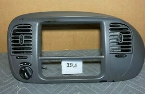 97 03 Ford F150 Expedition Oem Radio Bezel Dash Vents W 4wd Switch gray