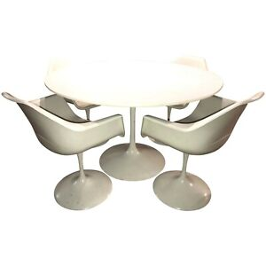 Knoll Mid Century Modern Tulip Form Round Dining Table Four Chairs