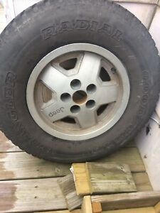 1989 Jeep Cherokee Laredo Rim And Tire Local Pick Up Only