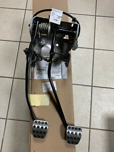 2015 2020 Dodge Challenger Srt Clutch Brake Pedal Assembly 6 2l Mopar Rt