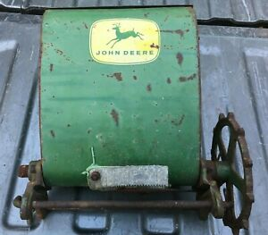 Seed Planter Hopper Bin Vintage Antique John Deere Green Gear Box 4 Legged Deer